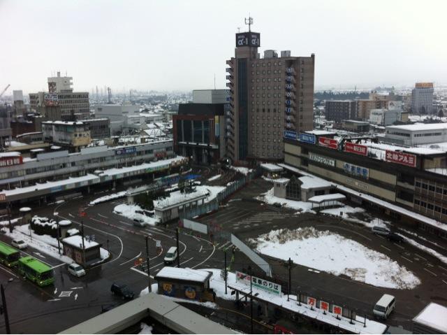 今朝の高岡市内は雪が残っていま...